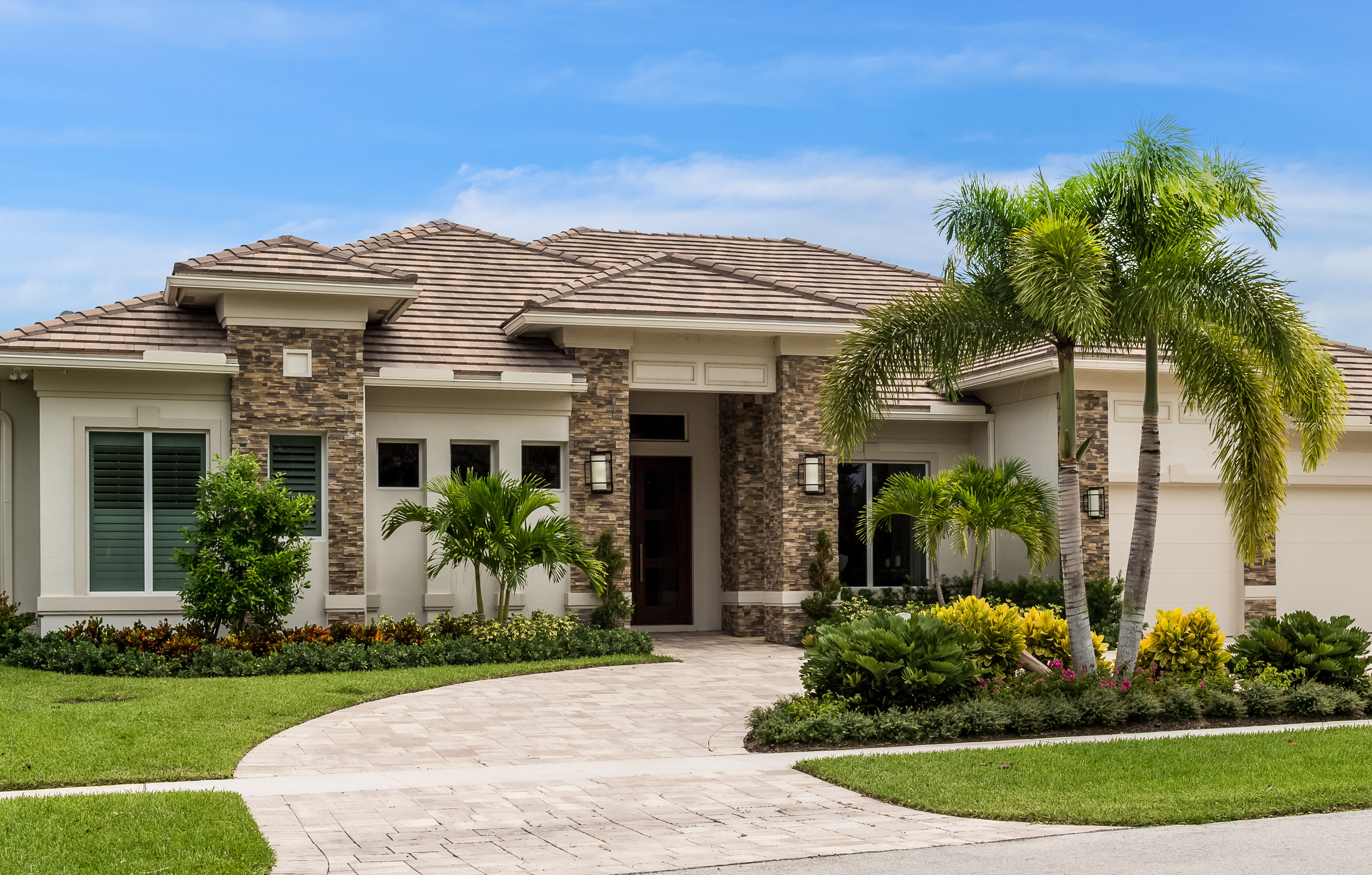 3827 Red Maple Circle